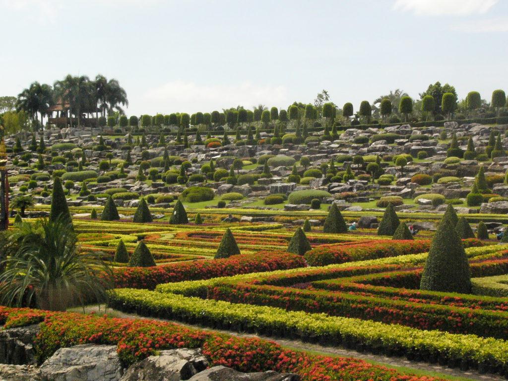 Drama, Blog: Übergewicht, Untergewicht, seelische Sicht, Gartenanlage Thailand