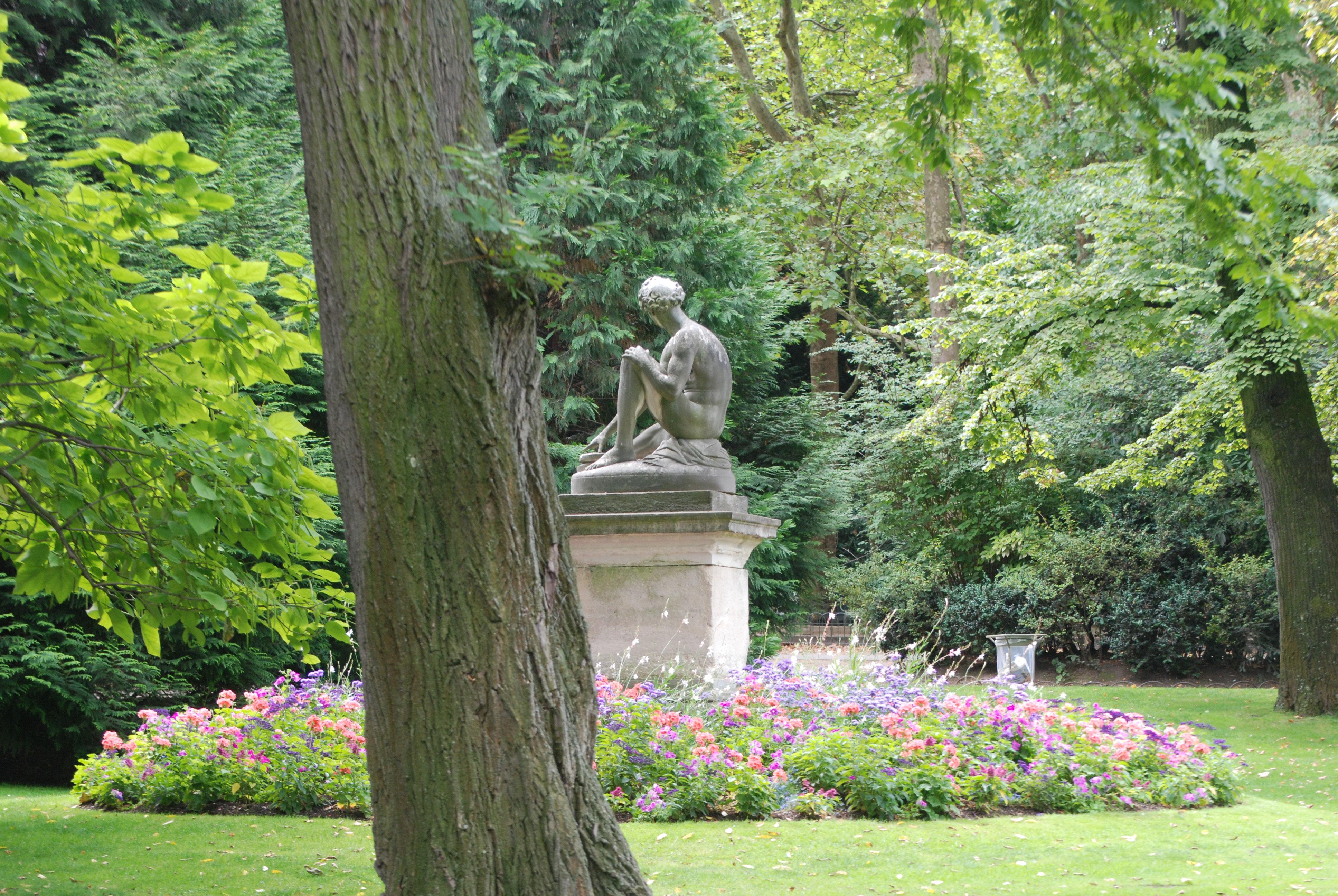 Drama, Blog: Übergewicht, Untergewicht, seelische Sicht, Statue Park